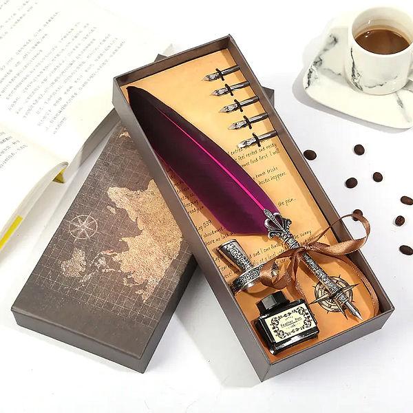 Stylo plume vintage violet dans sa boite avec l'encre et tout
